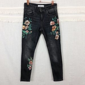 Zara   Gray Graphic Floral Print Ankle Jeans    4